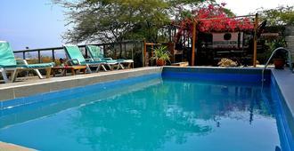 Biosfera Coworking Beach Hostel - Los Organos - Pool