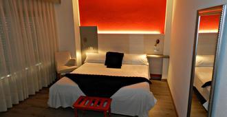 Hotel Agüera - חיחון - חדר שינה