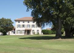 Golf de Saint Junien - Saint-Junien - Building
