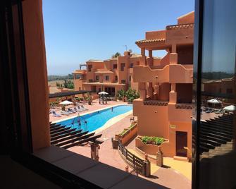 Royal Suites Marbella - Benahavis - Басейн