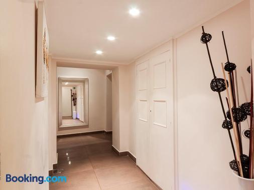 Maison Trevi - Rome - Hallway