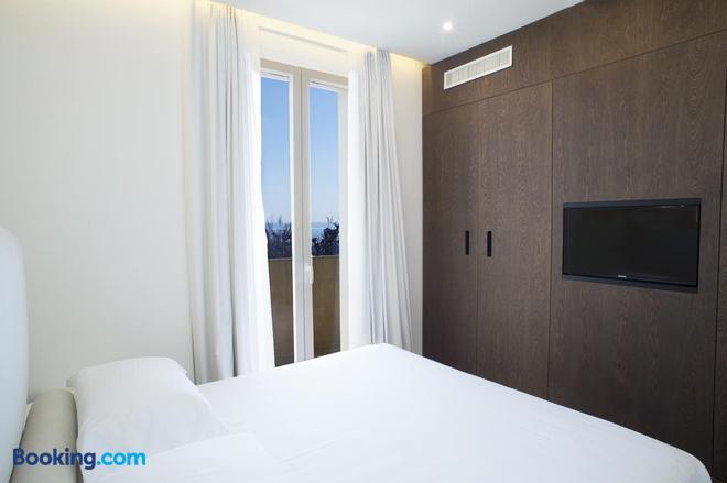 Hotel Select Suites & Spa - Riccione - Balcony