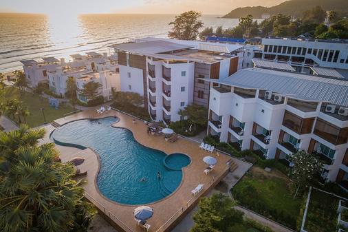 Saint Tropez Beach Resort Hotel - Chanthaburi - Bể bơi
