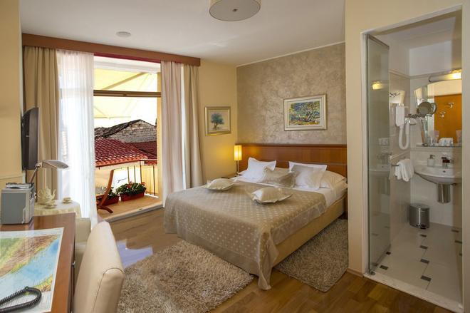 Royal Suites - Split - Phòng ngủ