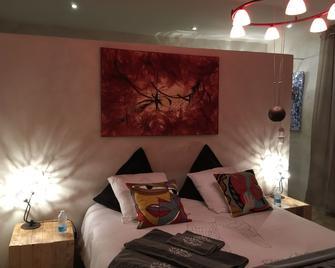 La Maison des Arts - Gordes - Bedroom