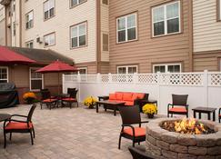 Residence Inn by Marriott Saratoga Springs - Saratoga Springs - Pati