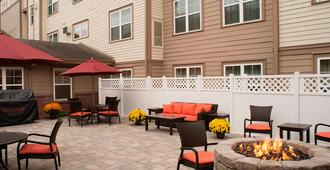 Residence Inn by Marriott Saratoga Springs - Saratoga Springs - Patio