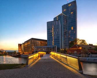 Clarion Hotel & Congress Malmo Live - Мальме - Building