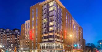 Hampton Inn & Suites Madison / Downtown - Madison - Edificio