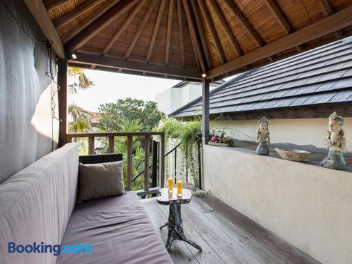 Exotica Bali Villa Bed and Breakfast - North Kuta - Balcony