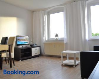 Cottbuser Ferienwohnungen - Chotěbuz - Living room