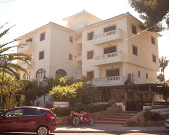 Apartamentos La Cabanya - Canyamel - Gebouw