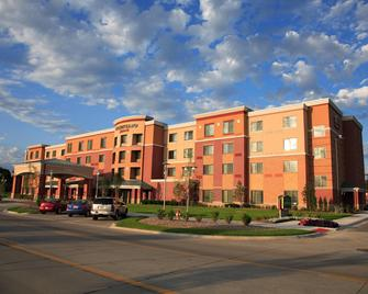 Courtyard by Marriott Omaha Aksarben Village - Omaha - Building