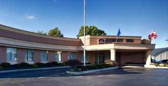 Best Western Summit Inn - Cataratas del Niágara - Edificio