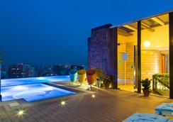 Six Seasons Hotel - Dhaka - Pool