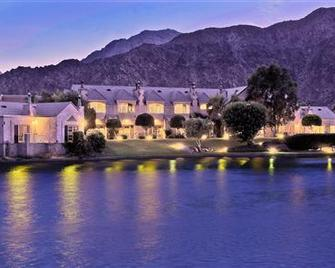 The Chateau At Lake La Quinta - La Quinta - Building
