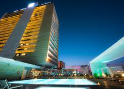 EPIC SANA Luanda Hotel - Luanda - Building