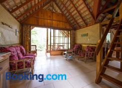 Atiu Villas - Atiu Island - Living room