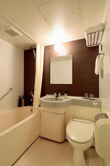 Candeo Hotels Ueno Park - Tokyo - Bathroom