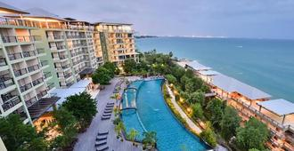 Royal Phala Cliff Beach Resort - Rayong - Pool