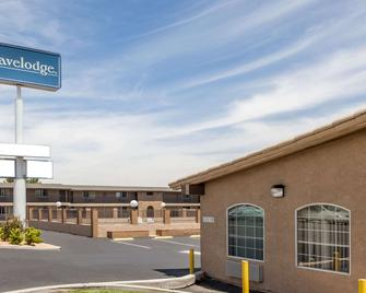 Travelodge by Wyndham Victorville - Victorville - Building