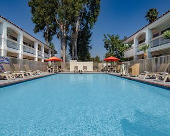 Motel 6 Thousand Oaks. Ca - Newbury Park - Pool