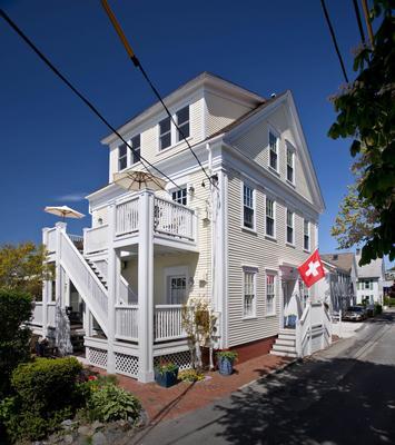 Benchmark Inn - Provincetown - Building