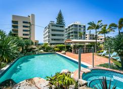 Surfers Beachside Holiday Apartments - Surfers Paradise - Piscina