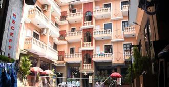 Ticlo Resort - Calangute - Rakennus