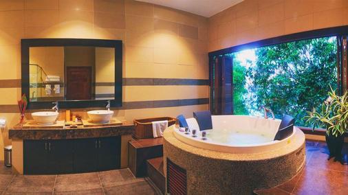 Bunga Raya Island Resort & Spa - Kota Kinabalu - Phòng tắm