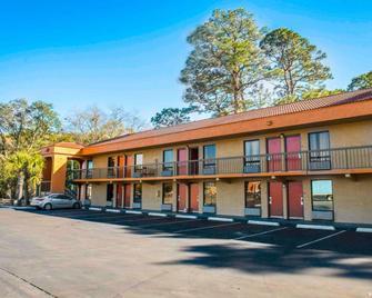Econo Lodge Panama City - Panama City - Building