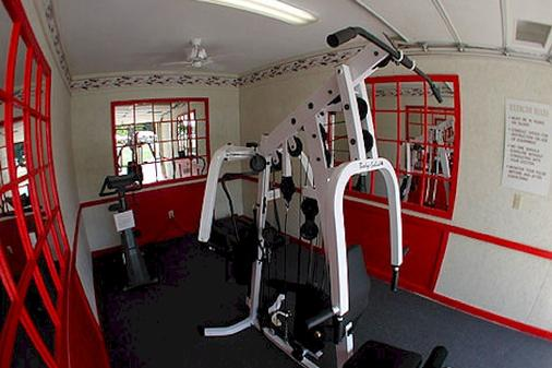 Colonel Williams Resort - Lake George - Gym