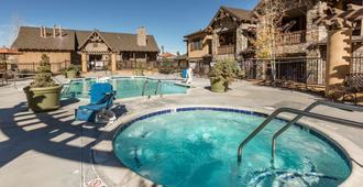 Bluegreen Vacations Big Bear Village, Ascend Resort Collection - Big Bear Lake - Piscina