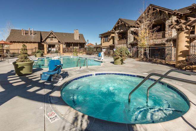 Bluegreen Vacations Big Bear Village, Ascend Resort Collection - Big Bear Lake - Uima-allas