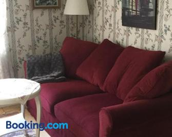 Stenbrottets lillstuga - Falkoping - Living room