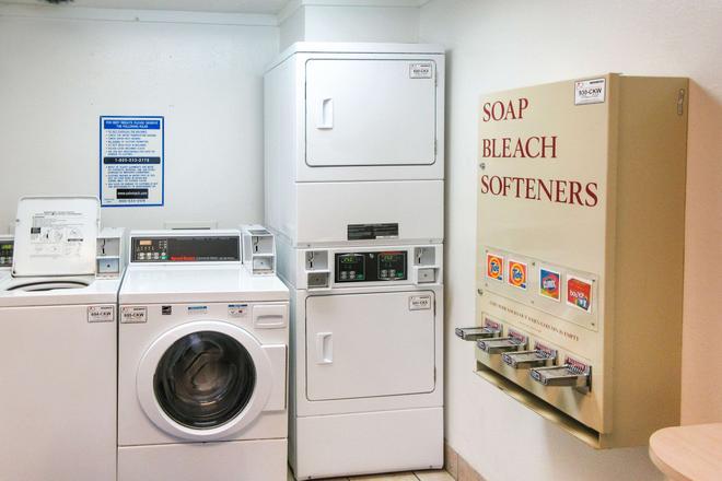 Rodeway Inn Altoona - Altoona - Πλυντήριο ρούχων
