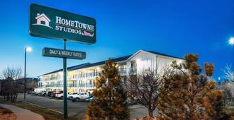 Hometowne Studios by Red Roof - Colorado Springs Airport - Colorado Springs - Gebäude