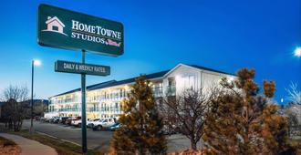 Hometowne Studios by Red Roof - Colorado Springs Airport - Colorado Springs