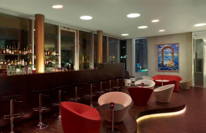 art'otel Cologne by Park Plaza - Cologne - Bar