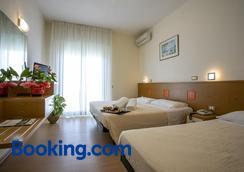 Hotel Ridolfi - Cervia - Phòng ngủ