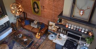 Insane Loft W/ Movie Theatre + Jacuzzi + Free Parking - San Luis - Sala de estar