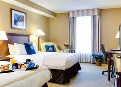 Salem Waterfront Hotel & Suites - Salem - Habitación