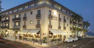 慶典維拉克魯斯馬勒康酒店 - 維拉克魯斯 - 韋拉克魯斯 - 建築
