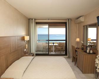 Hotel Beau Rivage - Algajola - Bedroom