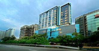 Teraskita Hotel Jakarta managed by Dafam - Ανατολική Τζακάρτα - Κτίριο