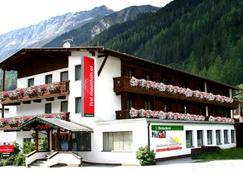 first mountain Hotel Ötztal - Längenfeld - Rakennus