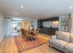 Business Guest House Groningen - Hooge Der A - Groninga - Comedor
