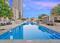 H Residence Apartments- Holiday Paradise - Surfers Paradise - Piscine