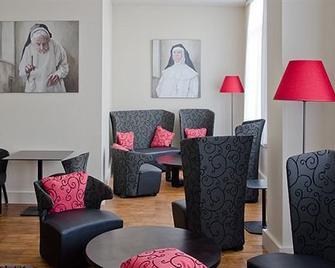 Hotel Karmel - Herentals - Вітальня