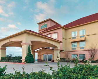La Quinta Inn & Suites by Wyndham Glen Rose - Glen Rose - Gebouw